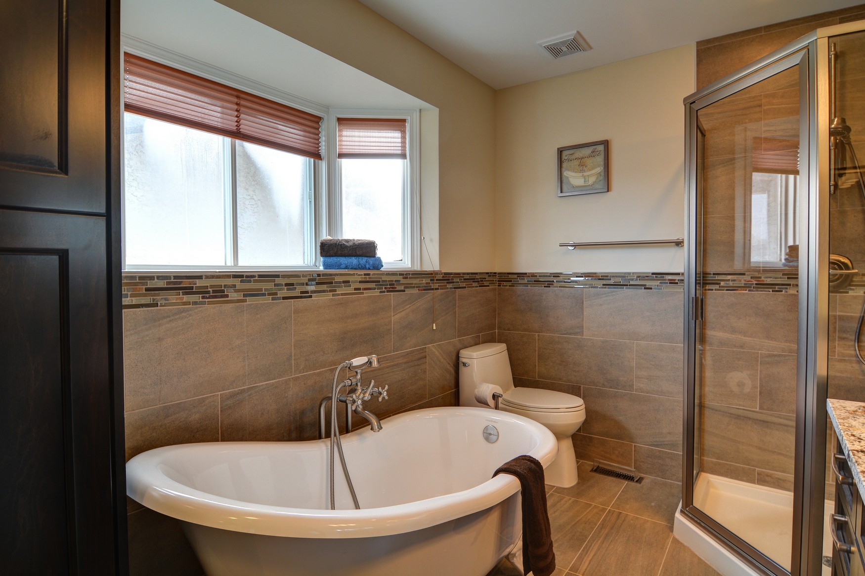 Strathbury after - bathroom
