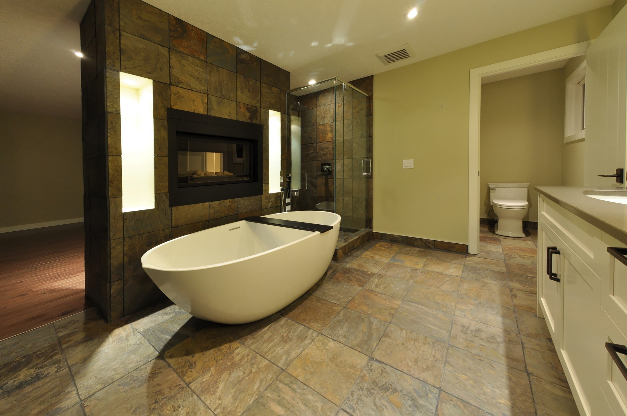 Thornecliffe after - Master bath
