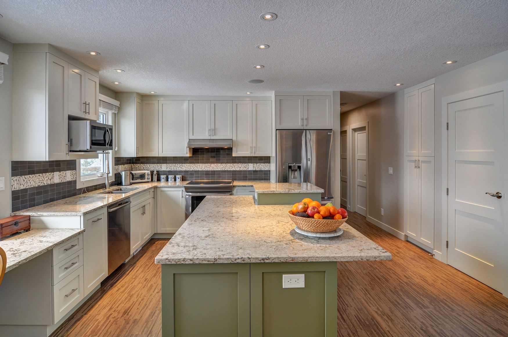 Brentwood After - kitchen